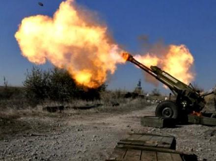 АТО: боевики обстреливают Авдеевку из120-мм минометов и152-мм пушек