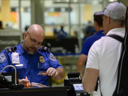 Мигранты измусульманских стран снова могут летать вСША