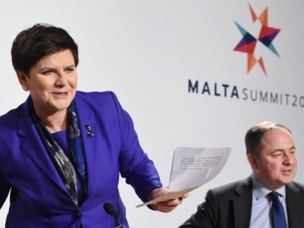 Премьер Польши выступила против отмены антироссийских санкций