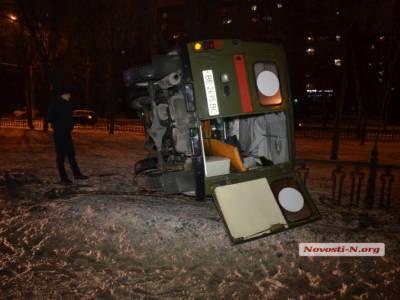 ВНиколаеве из-за пешехода перевернулся автомобиль скорой помощи