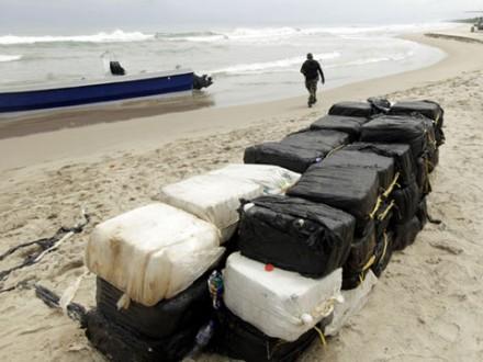 Море вынесло 360кг кокаина вящиках