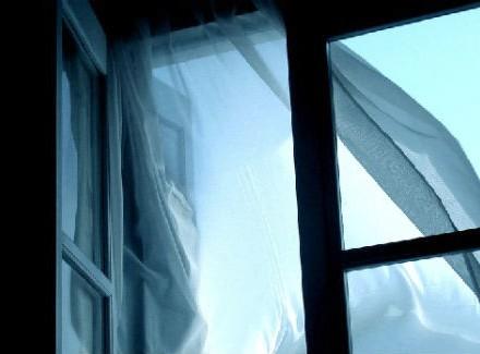 ВЗапорожье женщина выбросилась изокна многоэтажки