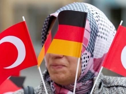 Франция призвала Турцию обойтись без провокаций нафоне дипскандала сНидерландами
