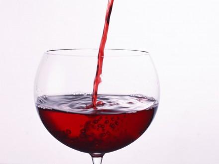 Учені розповіли, який алкогольний напій має протипухлинні властивості