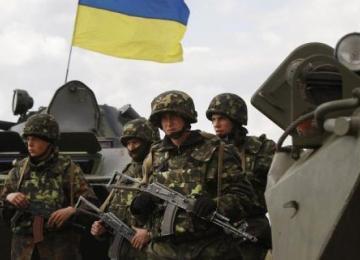 Внаслідок обстрілів Луганщини постраждав український військовий