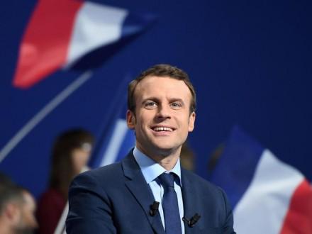 Макрон випереджає М.Ле Пен у виборчих перегонах у Франції
