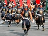 На парад в Японии вышли 1300 самураев