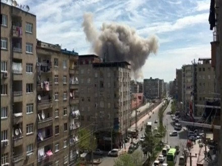 ВТурции произошел мощнейший взрыв уздания полицейской академии