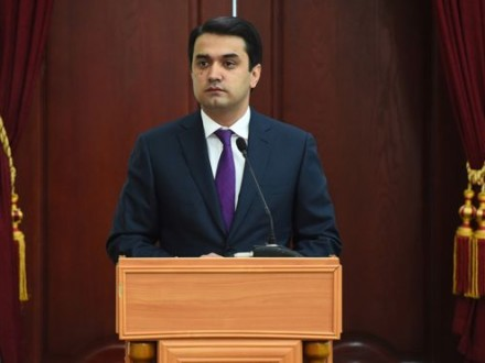Рустами Эмомали избран председателем совета всенародных депутатов Душанбе— Таджикистан