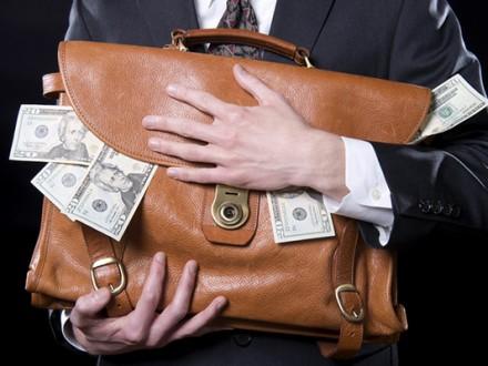 Асоціація платників податків Європи запідозрила главу