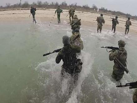 Завтра на адмінмежі з Кримом стартують військові навчання