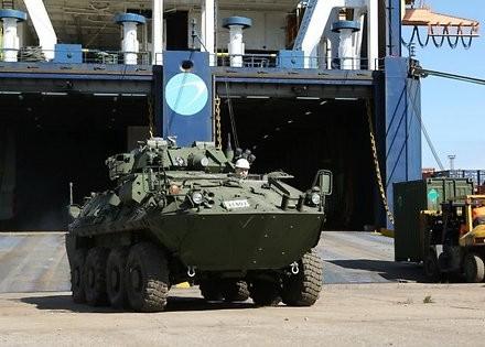 В Латвію прибула канадська військова техніка