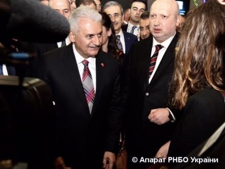 Україна і Туреччина підписали меморандум про співпрацю воборонній промисловості