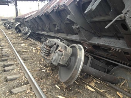 УЛьвівській області зрейок зійшли шість товарних вагонів
