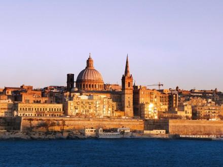 Порошенко відвідає зпершим в історії двосторонніх відносин державним візитом Мальту