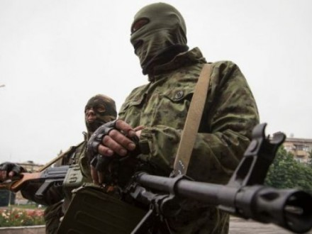 Під Маріуполем російський військовий вбив бойовика