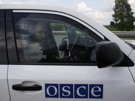 Бойовики вокупованому Докучаєвську кинули впатруль ОБСЄ димову гранату