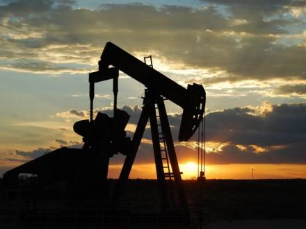 Нафта дорожчає вочікуванні продовження угоди ззаморожування видобутку