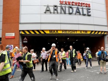УМанчестері евакуювали торговий центр: очевидці кажуть про вибух