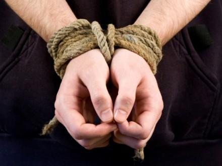 Злоумышленники похитили жителя Днепропетровской области, чтобы завладеть его квартирой