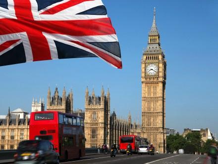 Британські партії припиняють передвиборчі заходи через вибух уМанчестері