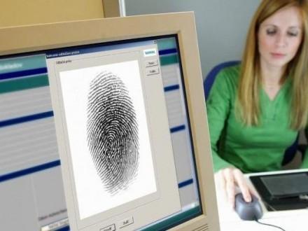Порошенко розповів, скільки біометричних паспортів вже отримали українці