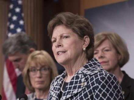 Сенатор США: Конгрес навряд чи підтримає скорочення фіндопомоги Україні
