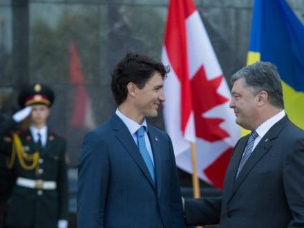 Безвіз з ЄС відкриває шлях до лібералізації візового режиму зКанадою— Порошенко