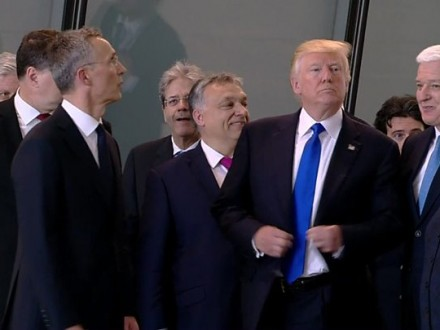 Трамп відштовхнув прем'єра Чорногорії під час відкриття штаб-квартири НАТО