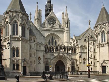 Суд Лондона відклав винесення рішення щодо боргу В.Януковича - Мінфін
