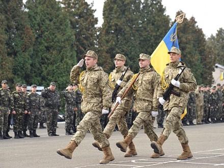 Міноборони призиватиме по кілька десятків офіцерів зобласті