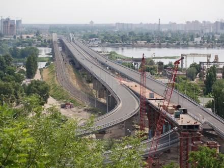 Наестакаді Південного мостового переходу 1-4 червня обмежать рух транспорту