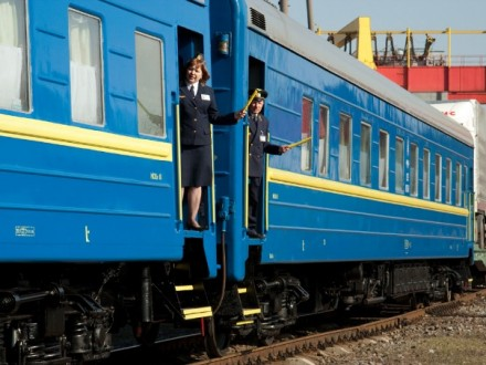 Укрзалізниця запровадить пряме сполучення Одеса— Маріуполь