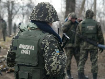 Прикордонники на межі з Кримом затримали українця, який перебуває у розшуку