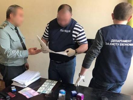 УКиєві нахабарі 24 тис. грн затримали полковника ЗСУ