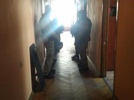 Ірпінь: поліцейські проводять обшук у міськраді (ВІДЕО, ФОТО)