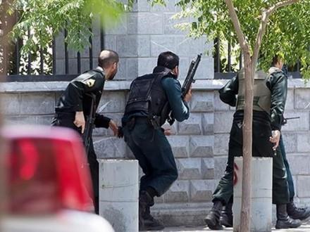 Поліція Ірану заарештувала щедвох підозрюваних через напади уТегерані