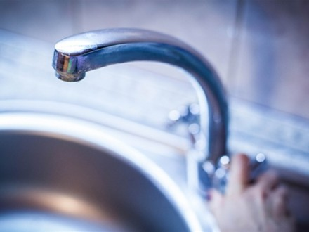 ВОдесі 150 тисяч осіб залишилися без води через прорив труби