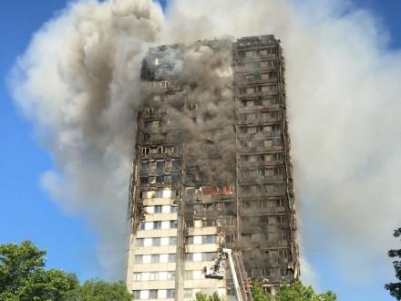 Українців серед жертв пожежі вЛондоні немає - посольство