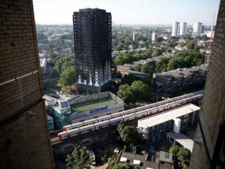 Кількість жертв пожежі влондонській багатоповерхівці Grenfell Tower зросла до58 осіб