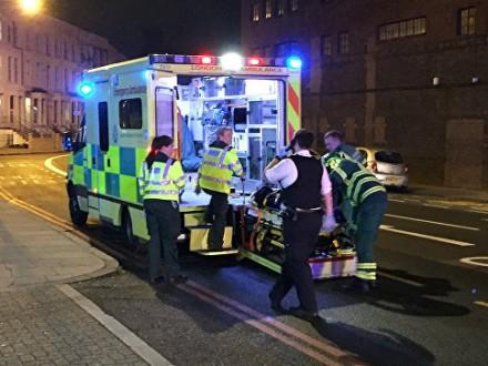 ОНОВЛЕНО: УЛондоні фургон наїхав налюдей, є постраждалі
