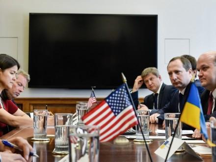 Порошенко обговорив з міністром торгівлі США розширення експорту українських товарів