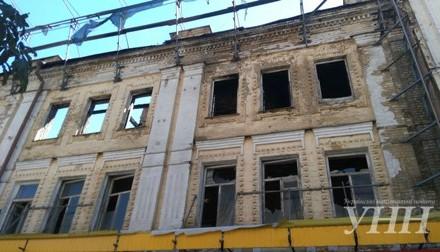 КМДА: Власник згорілої будівлі наХрещатику зобов'язаний відновити пам'ятник архітектури