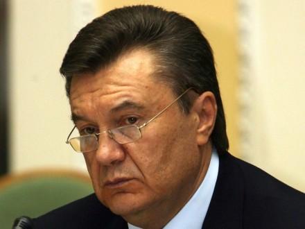 Оболонський суд викликає Януковича повісткою на10 засідань влітку