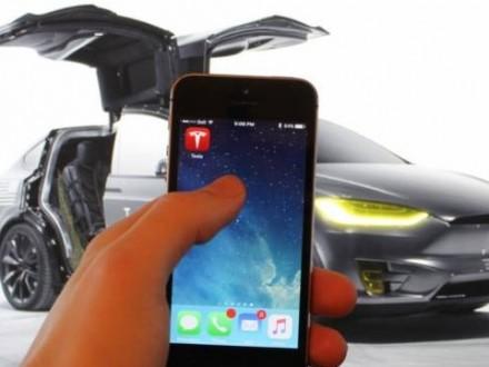 Tesla може створити власний музичний сервіс подібно Apple Music