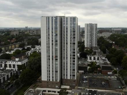 УБританії виявили вже 60 багатоповерхівок звогненебезпечним облицюванням