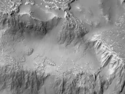 NASA показало лавовый водопад на Марсе