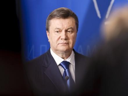 Януковичу замінять адвоката через непрофесійне виконання обов'язків нинішнім