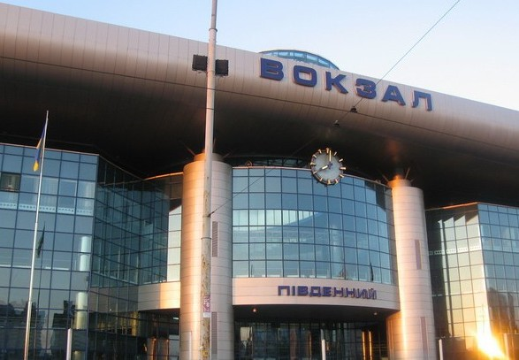 НПвКиєві: через будівництво будівлю залізничного вокзалу ледь незатопило фекаліями