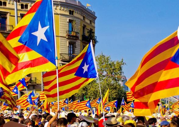 Каталонські депутати таємно голосують зарезолюцію про незалежність
